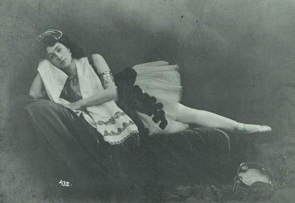 15. Во Франции похоронены великий шахматист Алёшин, великий писатель Иван Бунин, великая балерина Ма