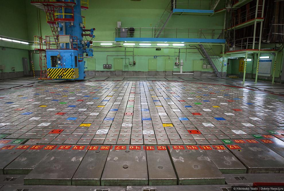 34. Мощные циркуляционные насосы, подводящие теплоноситель — воду — к реактору.