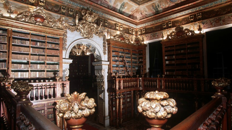 coimbra-biblioteca-joanina-1-832x468.jpg