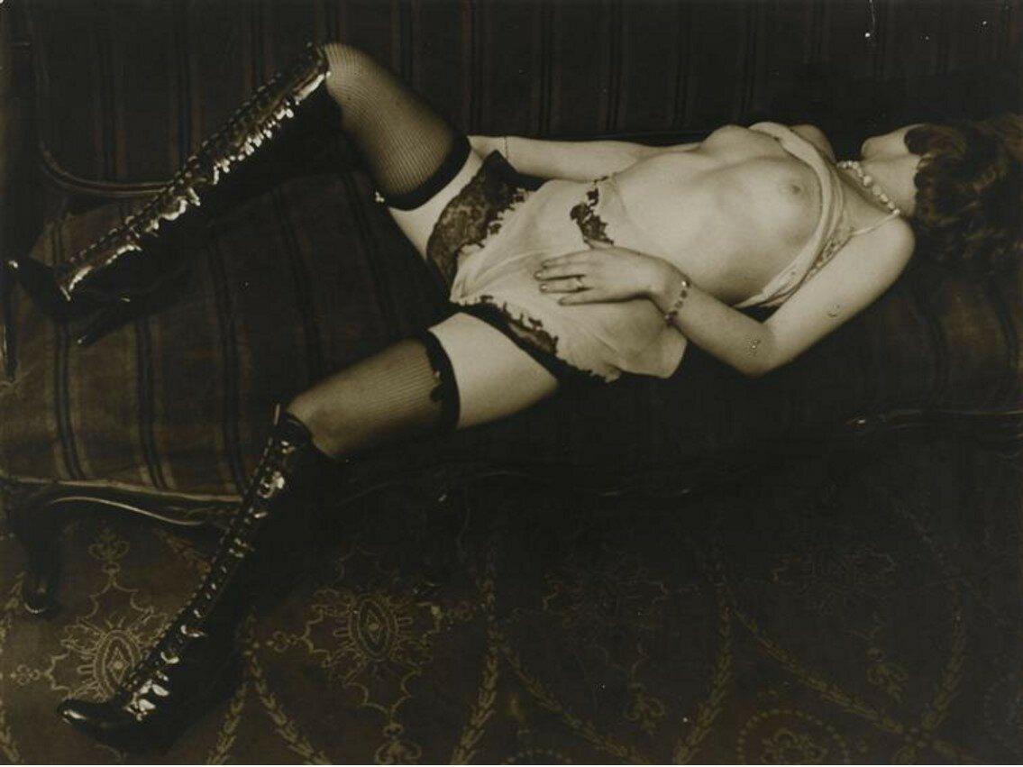 1932.  Реклама нижнего белья французской фирмы «Diana Slip»