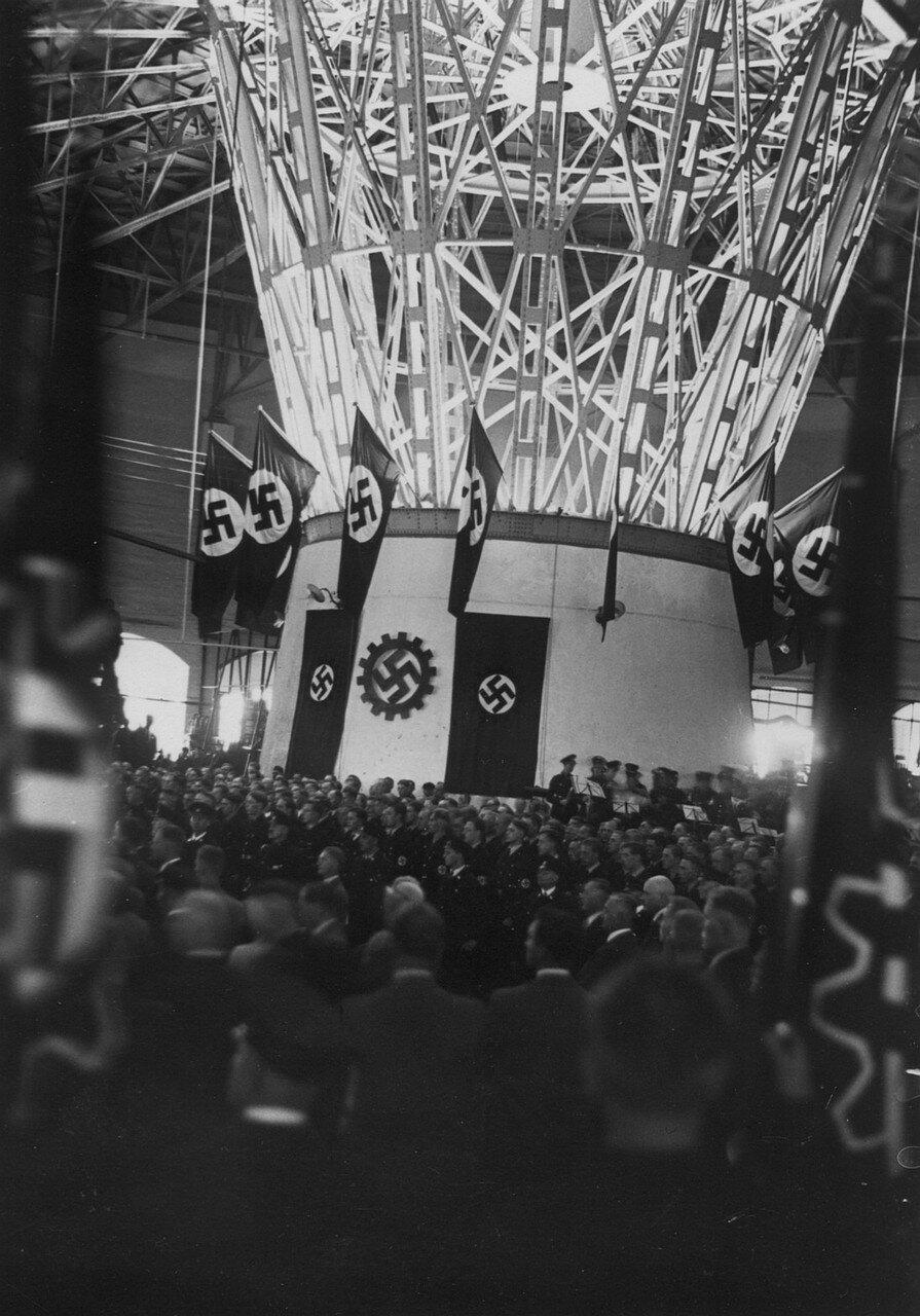 Гамбург.  Заводской праздник по случаю проведения в городе Всемирного конгресса по организация внеслужебного досуга