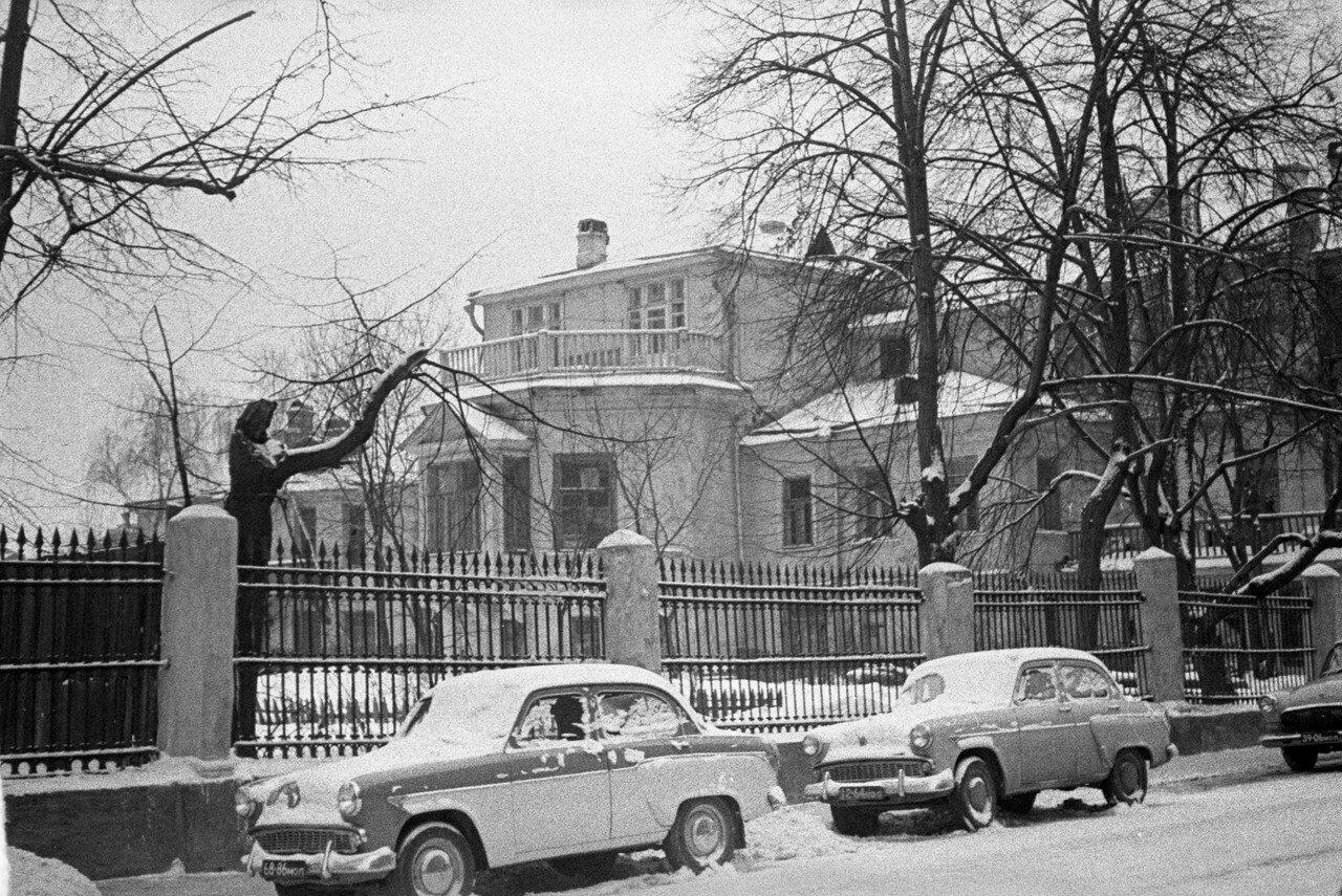 1961. Улица Вахтангова