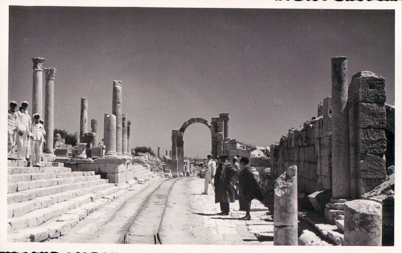 Лептис-Магна. Вид улицы.1930-е