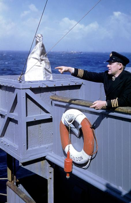 Wonderful Colour Photographs of World War II by Robert Capa (22).jpg
