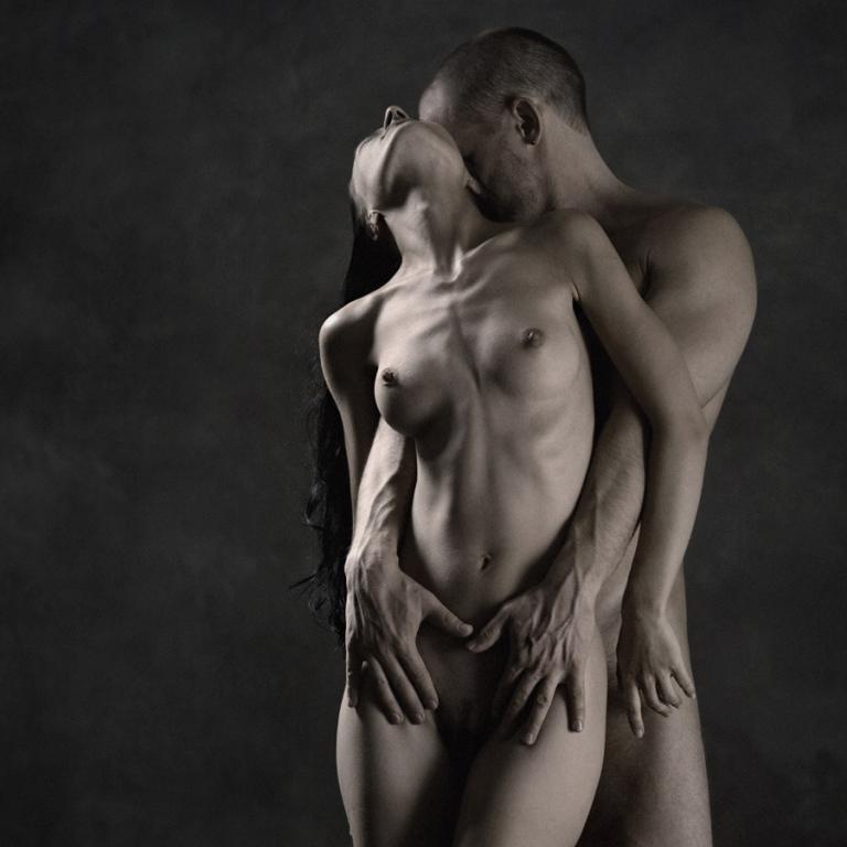 Девушка с мужчиной голые