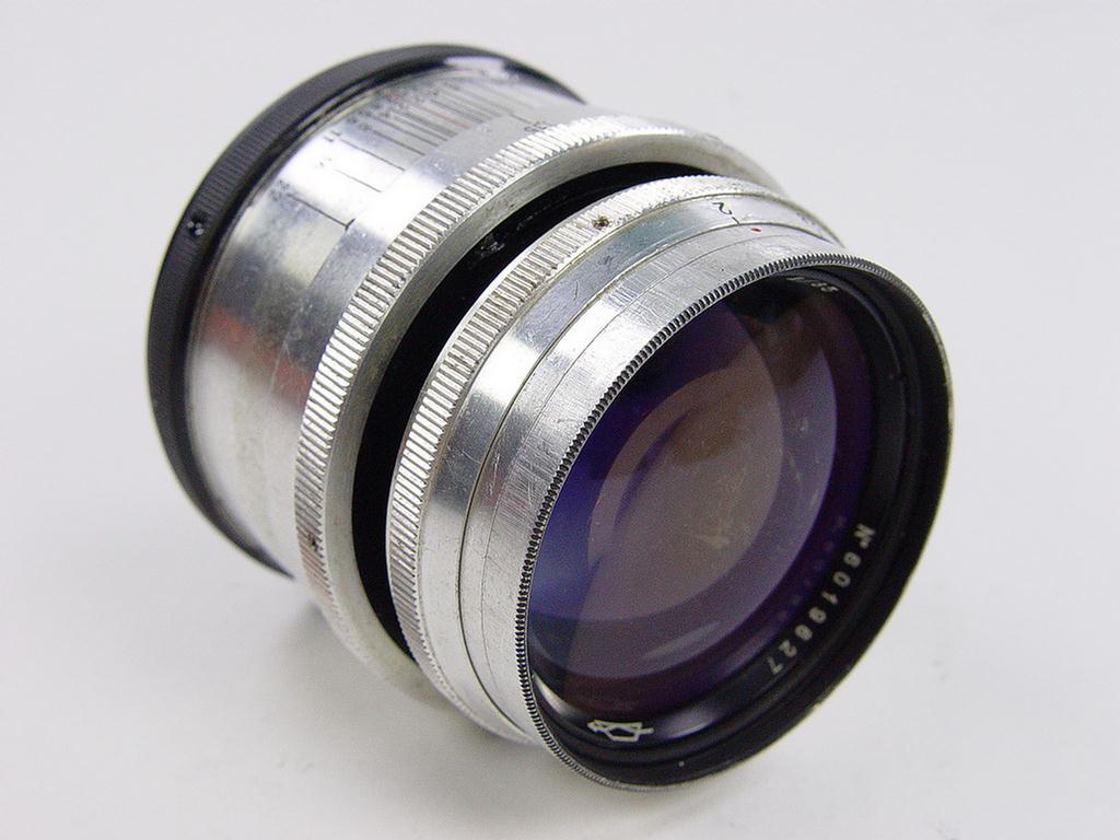 how to manually focus nikon d3100