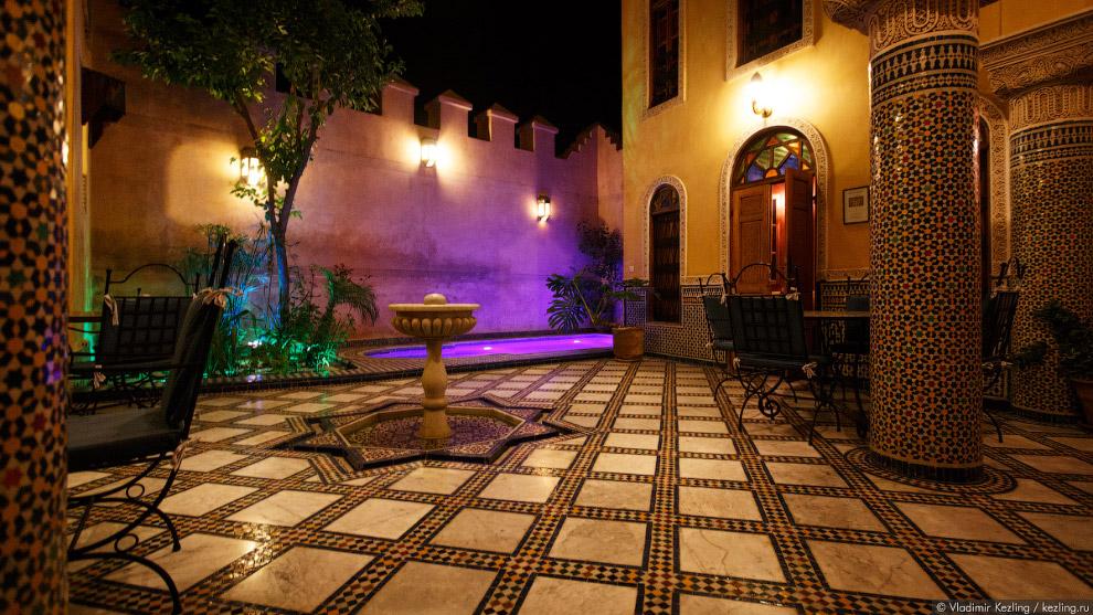 3. Примерно так выглядит любой приличный марокканский риад. В прошлом этим словом обозначались