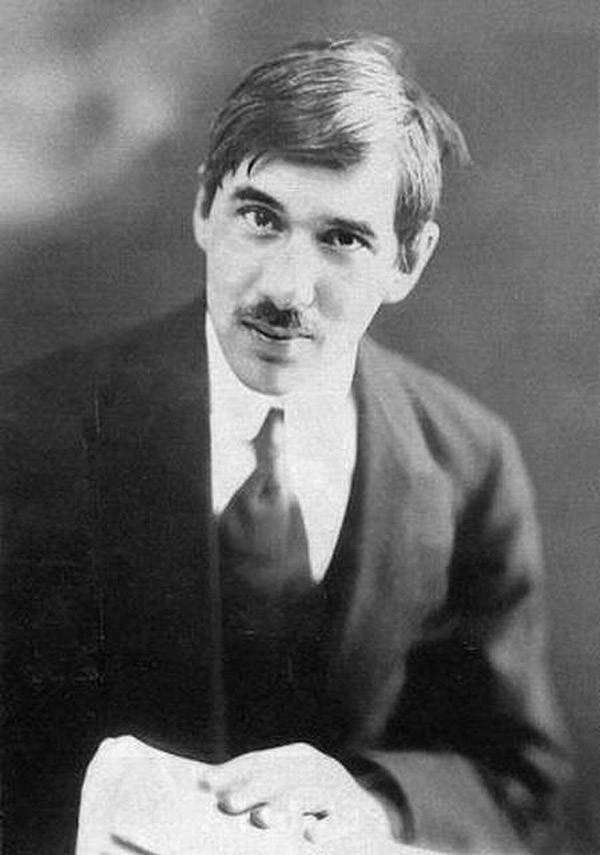 Корней Чуковский — Николай Васильевич Корнейчуков.