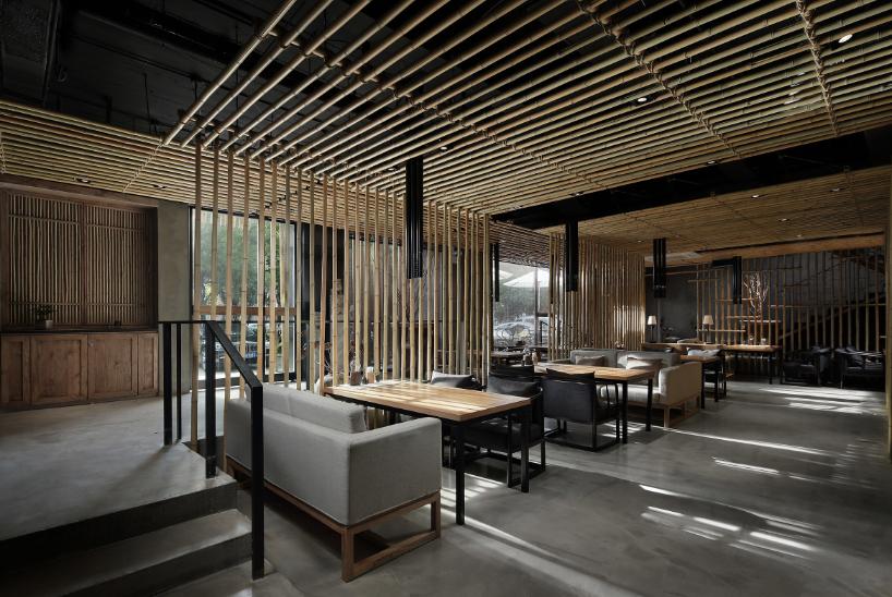 Интерьер китайской закусочной из бамбука