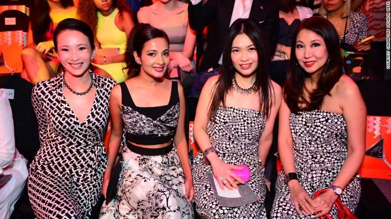 9. Мода для всех. Показы мод в Сингапуре могут посетить все желающие, а не только представители масс