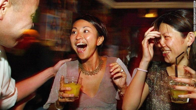 14. Лучшее местное междометие. В конце каждого предложения сингапурцы добавляют «Lah», что помогает