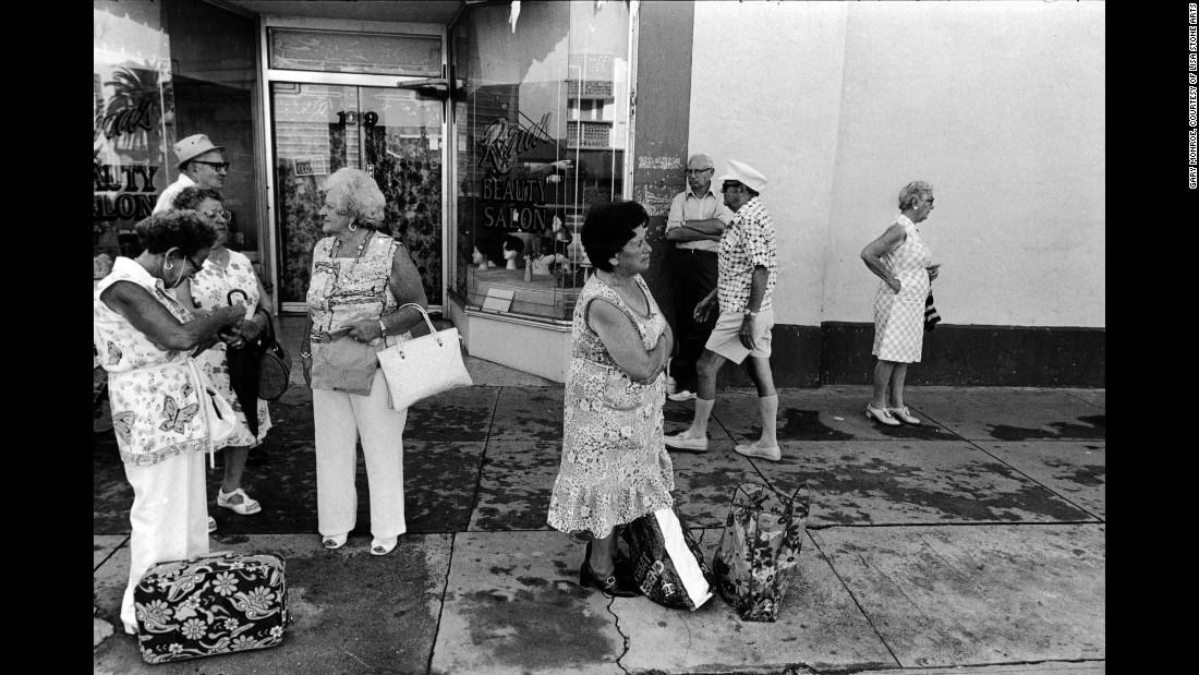 Люди на 10-й улице, 1979. «Чему тогда были посвящены беседы? Израилю, внукам и тонкостям местной пол