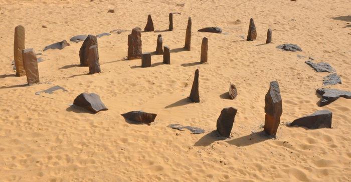 8. Набта Плайя В пустыне Сахара расположено мегалитическое сооружение, получившее название Набта Пла