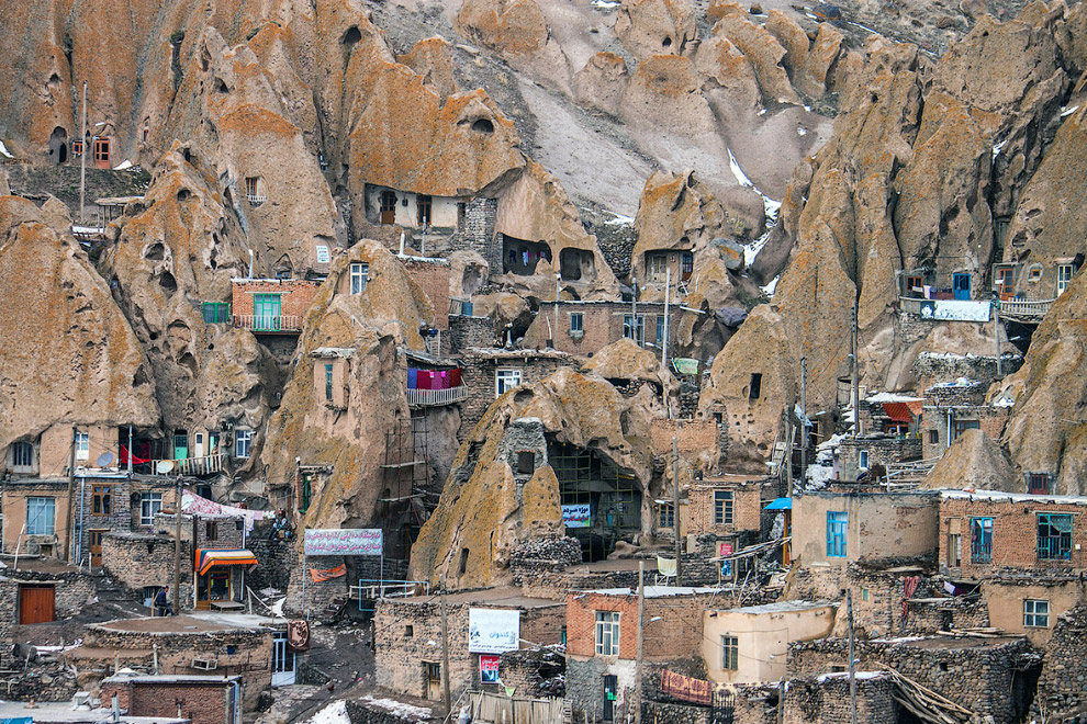 25. Мавзолей Кира. Находится в древнем персидском городе Пасаргады, первой столице империи Ахем