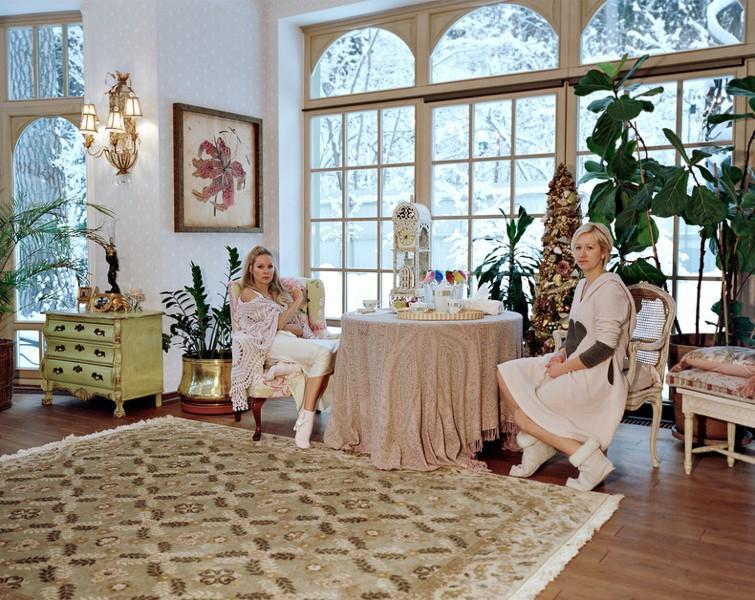 3. Ирина Васильева, 47 лет. Родилась в Москве. Замужем, трое взрослых детей. Работает художником-диз