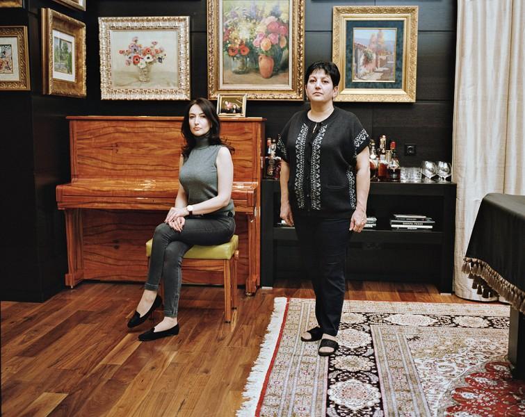 4. Лиана Тамрязян, 36 лет. Родом из Еревана. Окончила Ереванскую консерваторию по классу фортепьяно.