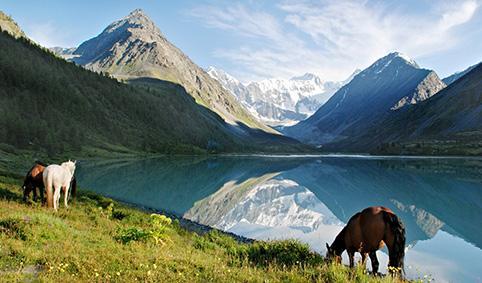 Байкал Местные жители не называют Байкал озером, для них он всегда
