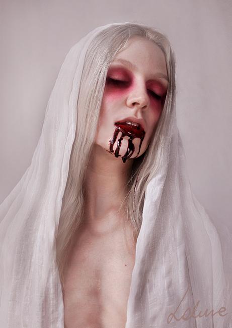 Creepy Portraits by Miss Lakune