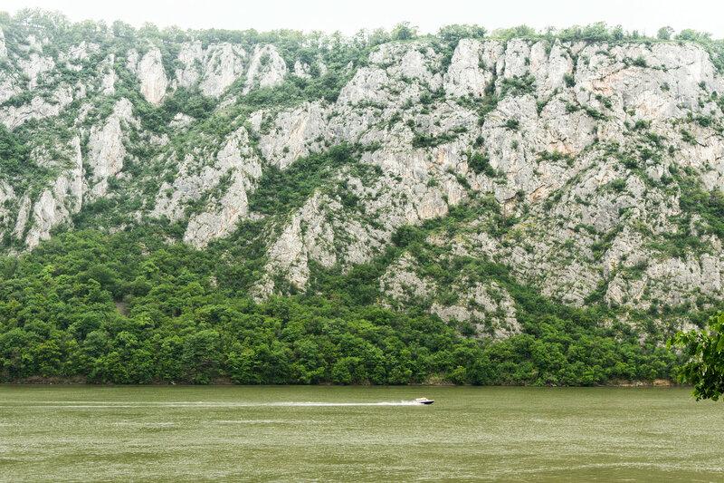 моторная лодка на Дунае, Джердапское ущелье