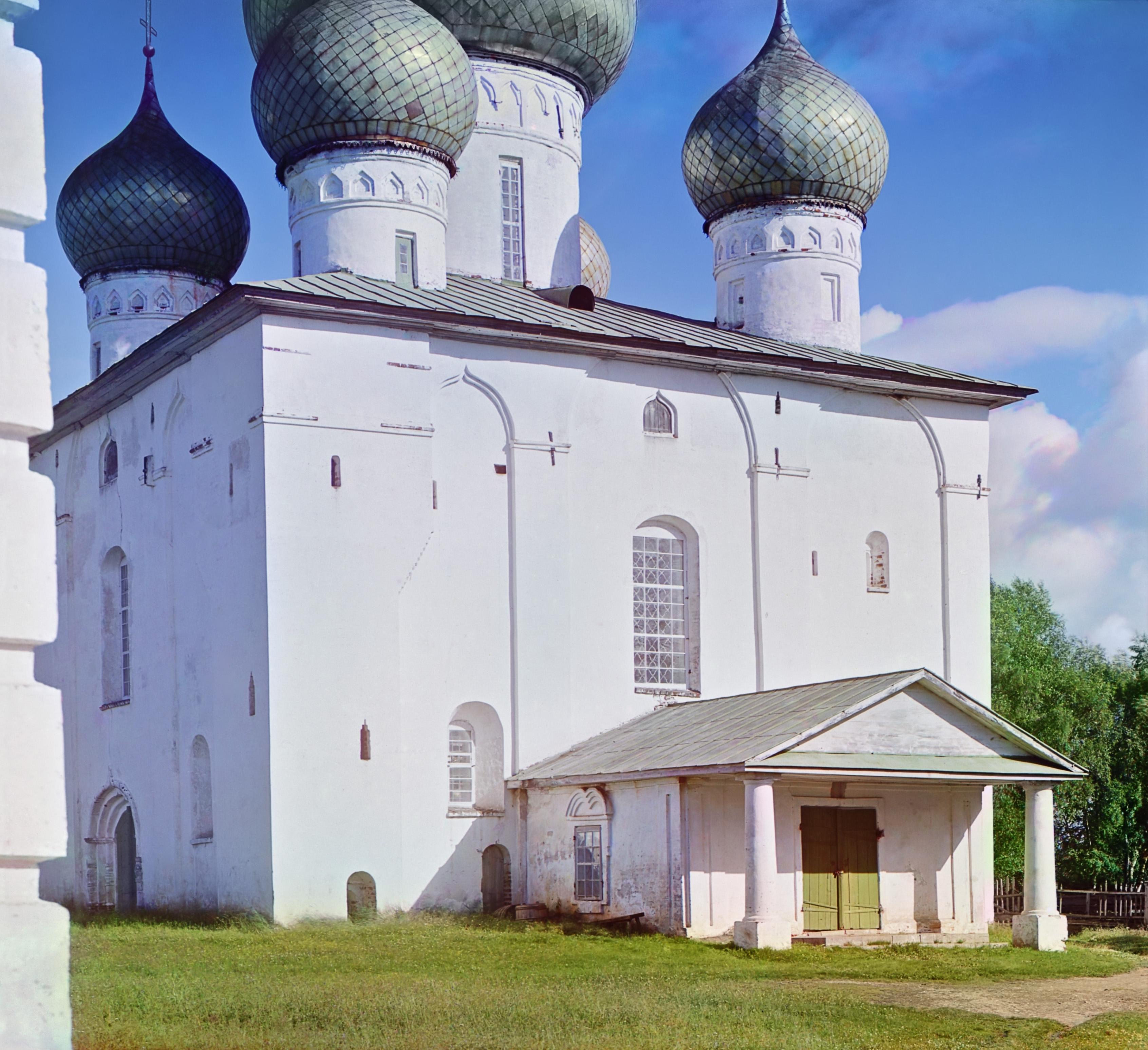Белозерск. Деталь Церкви Успения Божьей Матери
