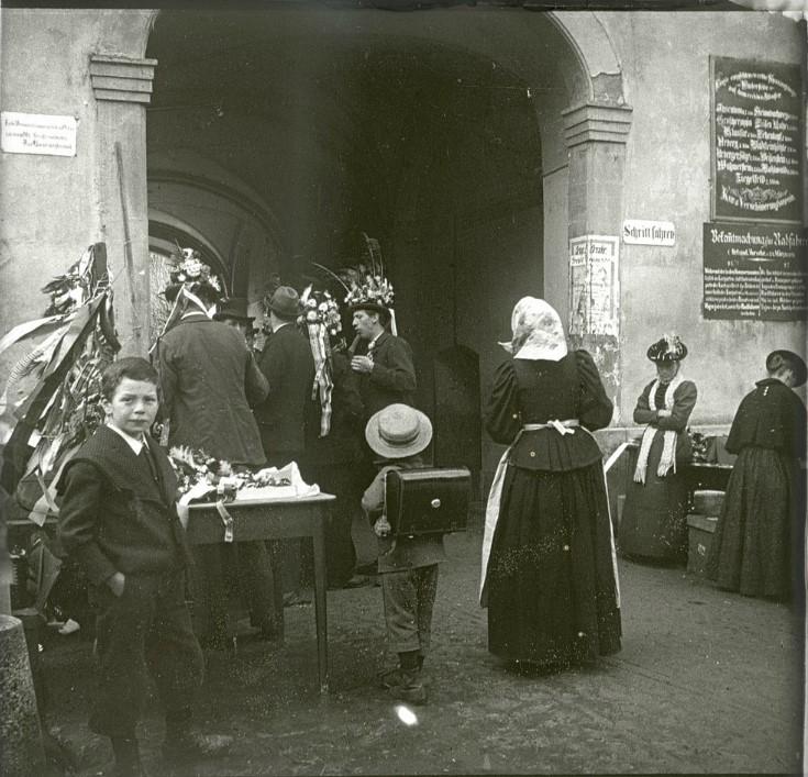 1902. Уличная сценка. Германия. Санкт-Блазиен