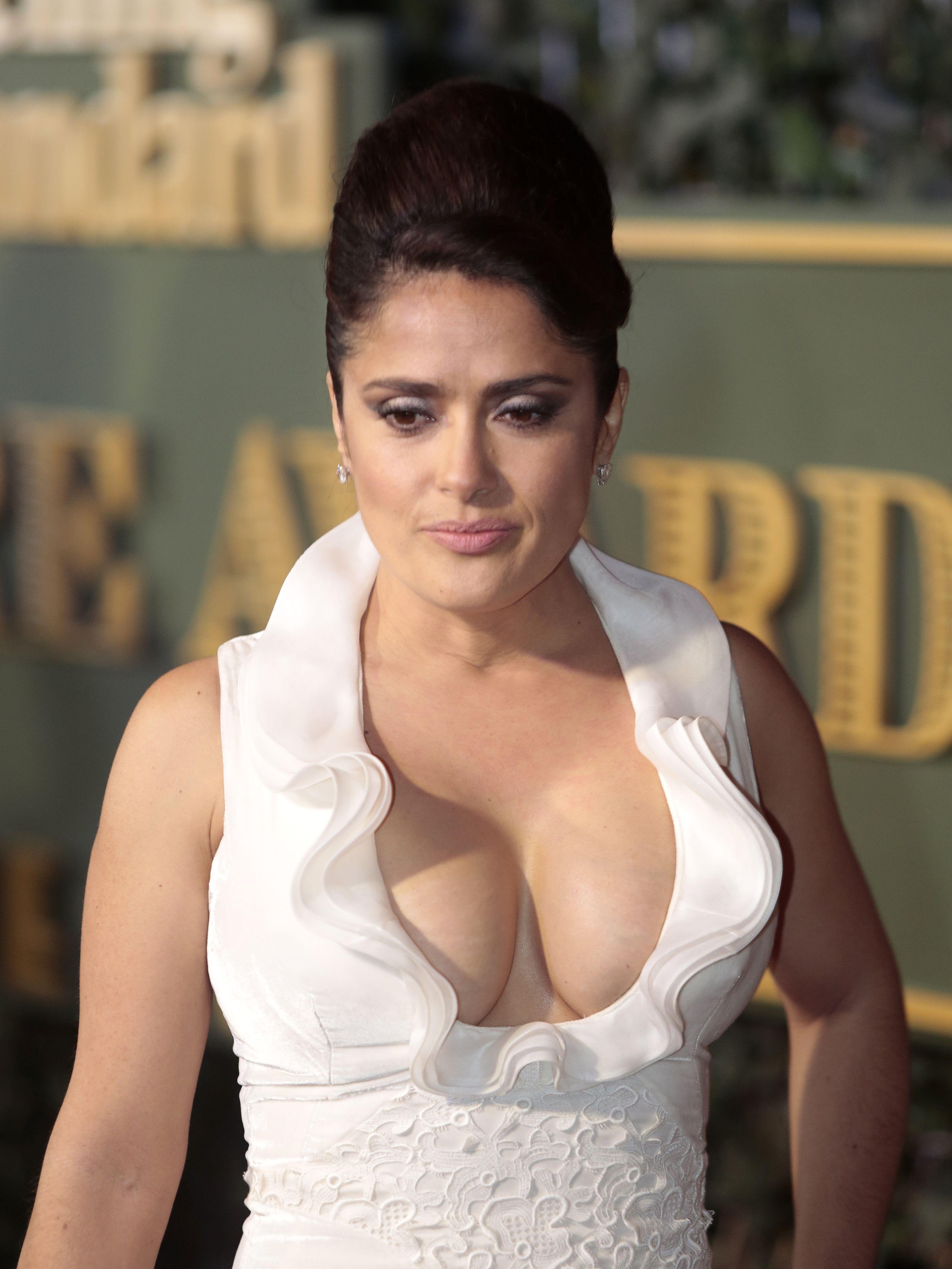 художественные фильмы актрисы с большим бюстом парализован всю