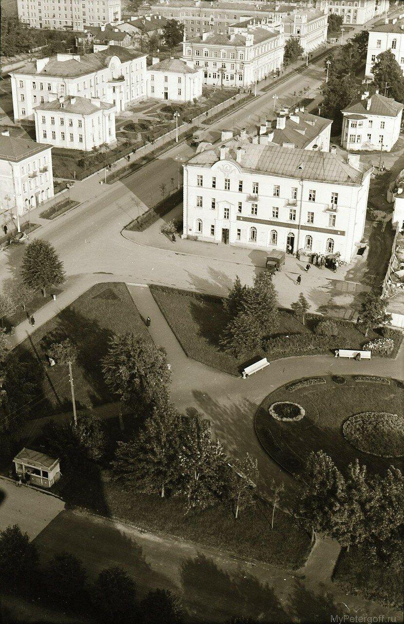 1957.  Вид с Петропавловского собора на Торговую площадь