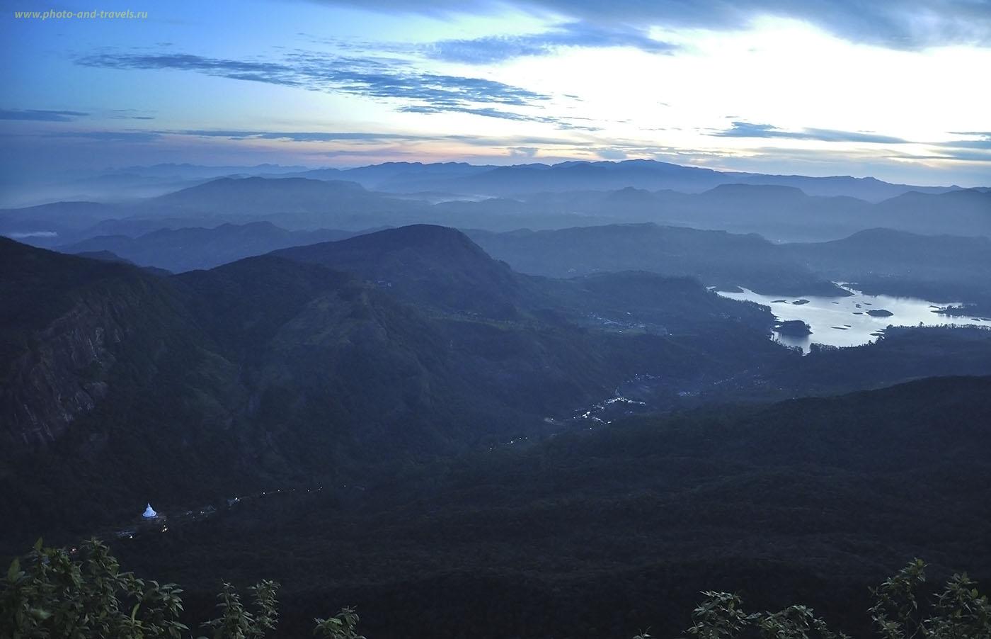 Фотография 2. Восхождение на гору Пика Адама в Шри-Ланке начинается с путешествия по этой долине, мимо ступы Sama Chatiya.