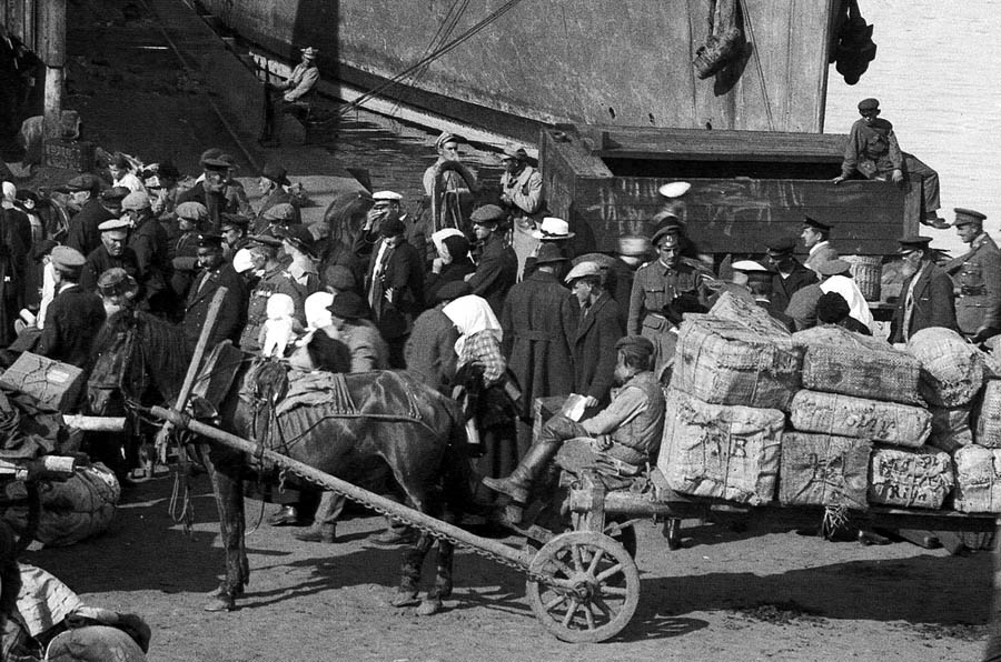 24_arkhangelsk_sobornaya_pristan_summer_1919_fr_2_900.jpg