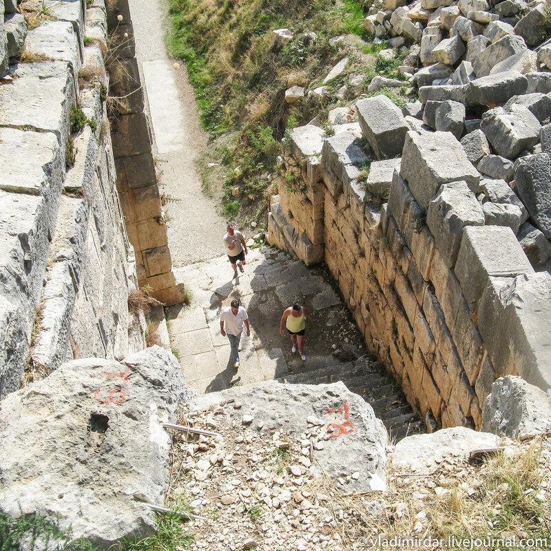 Античный амфитеатр в Мире (Демре)