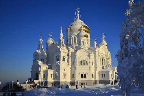 Храм на горе Белой.