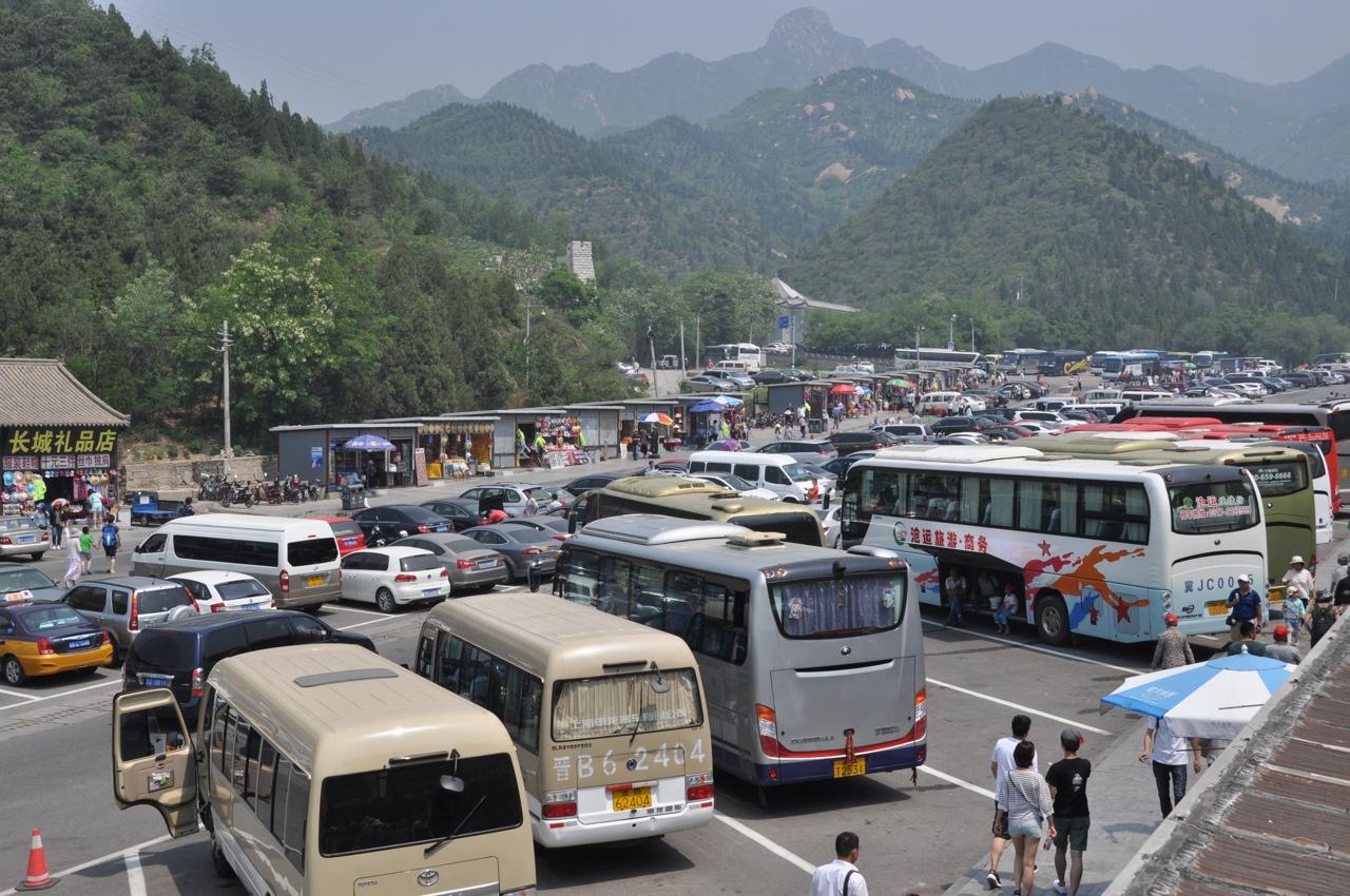 Стоянка туристических автобусов у Стены