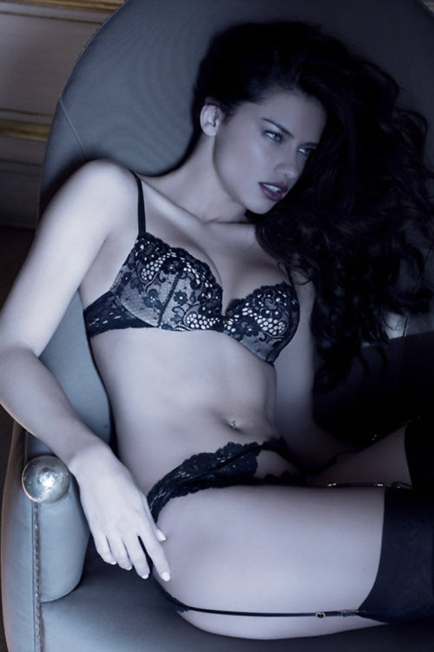 Адриана Лима / Adriana Lima for Victorias Secret Valentines Day 2008