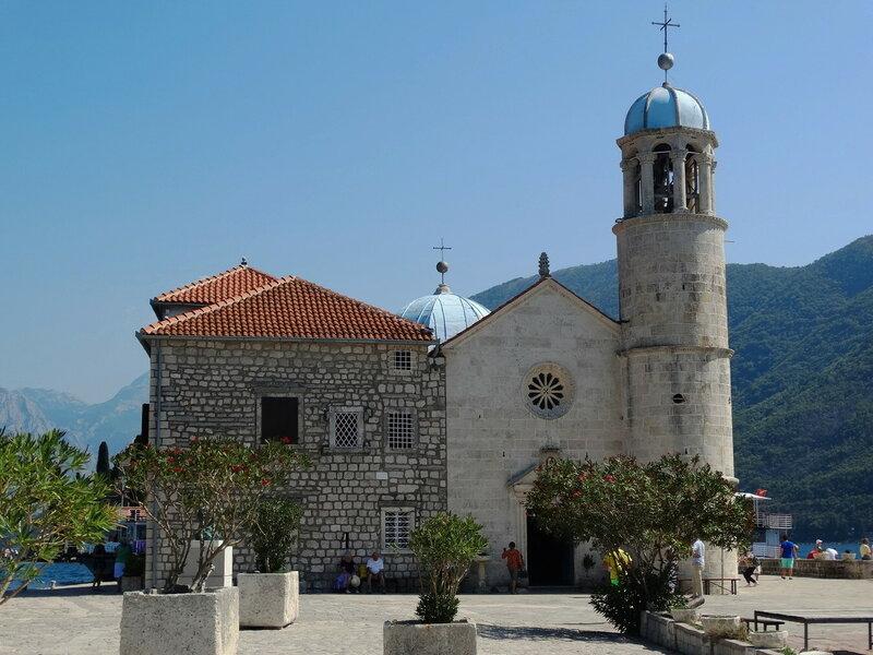 Церковь на острове.