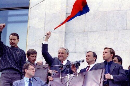 СССР развалил Ельцин, сделавший ставку на национализм