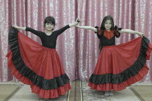 Испанский костюм для девочки.JPG