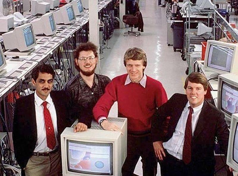 В 1982 году выпускники Стэнфорда основали Sun Microsystems — компанию по производству компьютеров и