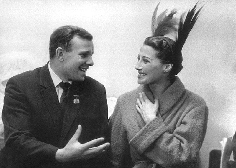 Юрий Гагарин и Майя Плисецкая .jpg