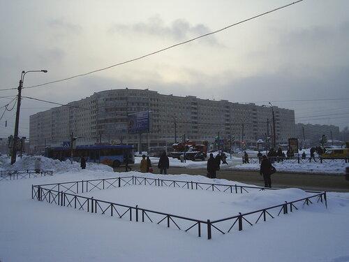Бухарестская ул. 49/пр. Славы 43