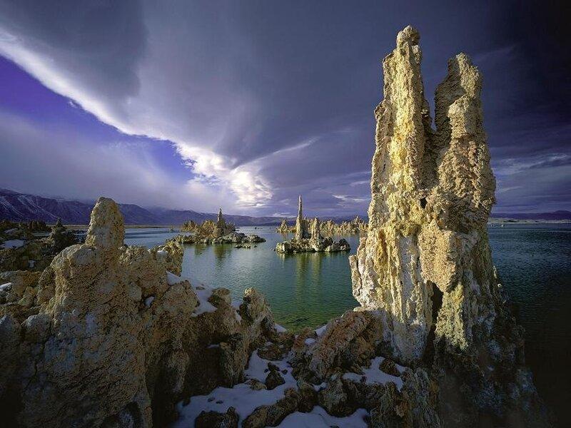 Озеро Монолэйк в Калифорнии