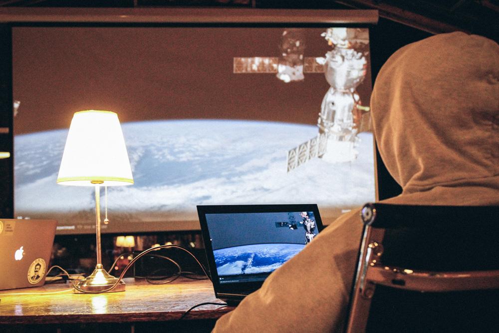 Камера на МКС с видом на Землю