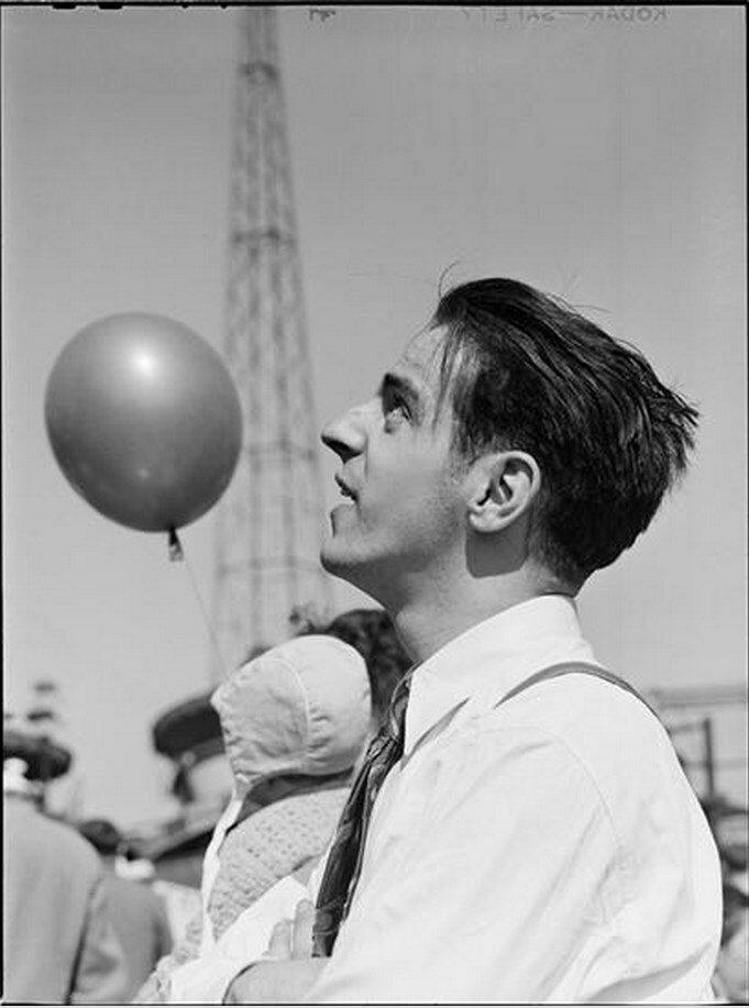 1946. Парк развлечений Палисейдс. Мужчина в парке