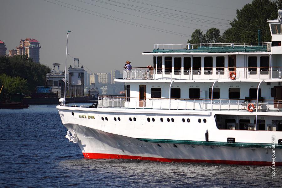 21 июня 2010 Теплоход «Волга дрим» в Химкинском водохранилище