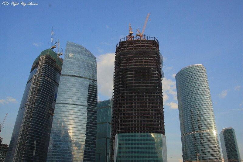 http://img-fotki.yandex.ru/get/4204/night-city-dream.21/0_28af2_9a1ad608_XL.jpg