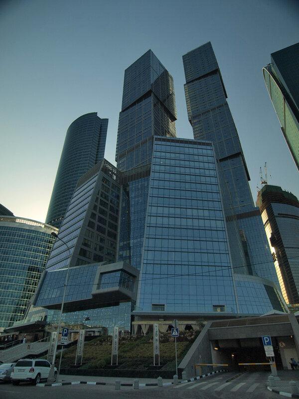 http://img-fotki.yandex.ru/get/4204/parktower99911.16/0_34262_8ae705e9_XL.jpg