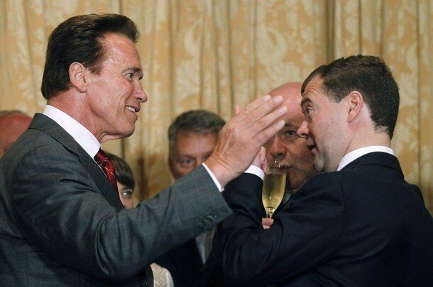 Russia's President Medvedev meets with California Governor Schwarzenegger in San Francisco