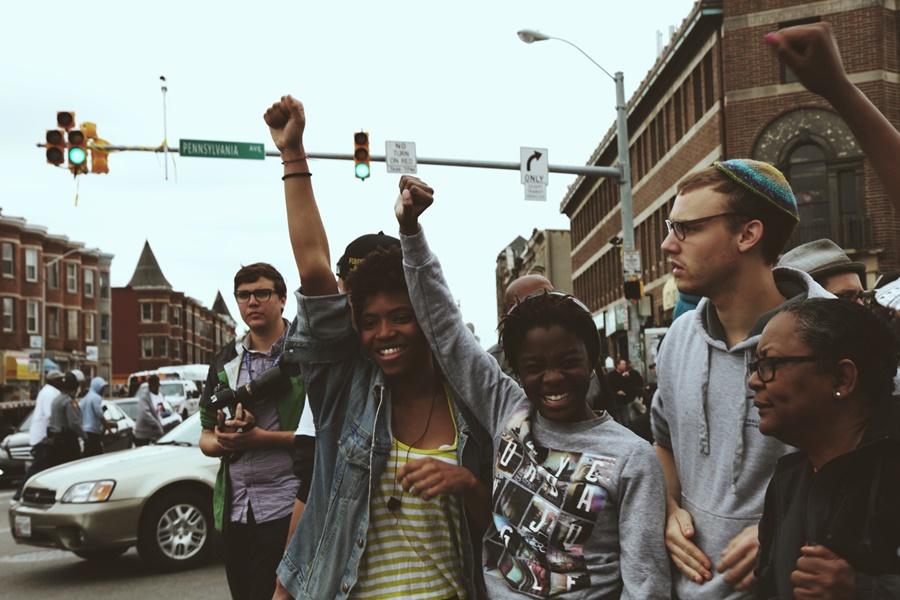 Уличные фотографии Алехандро Оренго во время беспорядков в Балтиморе 0 145c64 8ba04eb orig