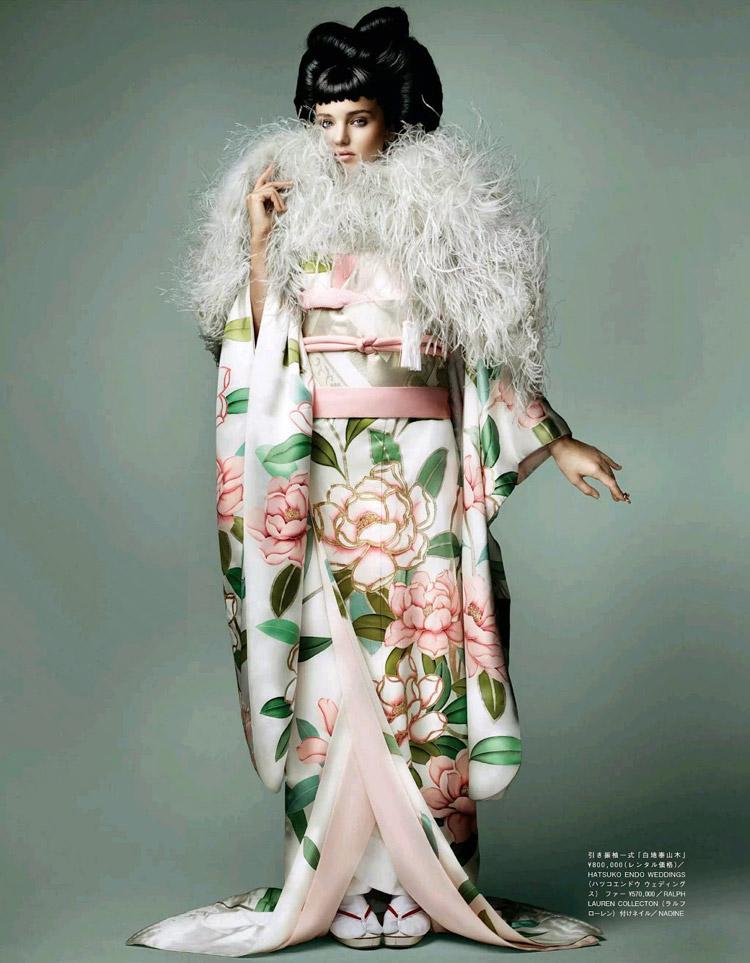 Миранда Керр (Miranda Kerr) в журнале Vogue Japan
