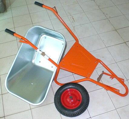 тачка строительная одноколёсная с усилительной пластиной под корытом Альтрад