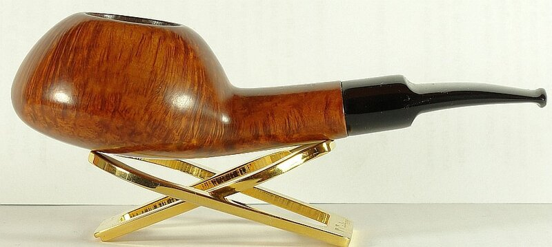 Stanwell Sixten design Regd. Selected Briar 81
